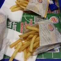 Foto scattata a Burger King Leonardo da Antonio M. il 4/15/2014