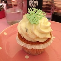 Photo taken at CupCakes Wien im mumok by Stephan E. on 6/15/2013