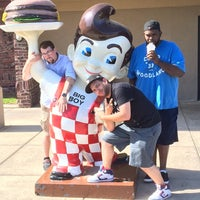 Photo taken at Frisch's Big Boy by Christopher C. on 6/14/2014