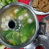 Photo taken at Restoran Teo Chiew (潮州大饭店) by Wilson K. on 4/19/2015