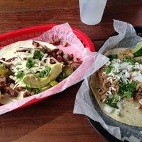 Das Foto wurde bei Torchy's Tacos von Isaac E. am 6/21/2013 aufgenommen