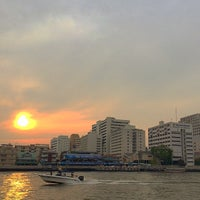 Photo taken at Wat Mahathat Pier by รองเท้า ค. on 4/13/2015