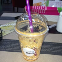 Photo taken at Juice Planet by Izzet A. on 9/13/2013