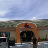 Photo taken at Taco Bell by Ashley R. on 7/4/2013