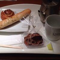 Photo taken at ドミニク・サブロン マルシェ・エ・カフェ 新宿ルミネ店 by ひろみん on 5/10/2014