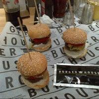 11/3/2012 tarihinde Ahmet U.ziyaretçi tarafından Burger House'de çekilen fotoğraf