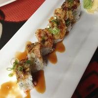 Foto tomada en Blue Sushi Sake Grill por Nika L. el 5/31/2013