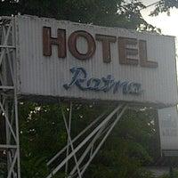 Foto diambil di Hotel Ratna oleh Kristiono A. pada 12/21/2012