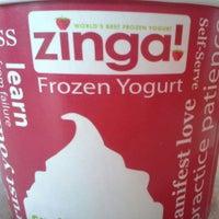 Photo taken at Zinga Frozen Yogurt by Laurie R. on 6/1/2013