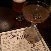 12/21/2017 tarihinde Betsy T.ziyaretçi tarafından Spilt Milk'de çekilen fotoğraf