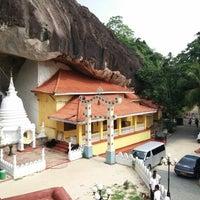 Photo taken at Maniyangama Raja Maha Viharaya[මානියන්ගම රජමහා විහාරය] by Eranga K. on 4/14/2014
