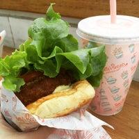 Das Foto wurde bei Betty's Burgers von Beatriz B. am 10/22/2016 aufgenommen