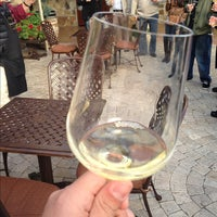 Foto tirada no(a) Jacuzzi Family Vineyards por Julio Cesar d. em 12/8/2012