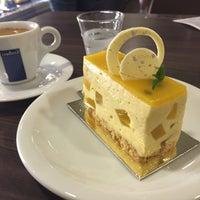 Foto tirada no(a) Kazu Cake por Guilherme 梅. em 5/7/2016