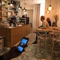 11/12/2017 tarihinde Anatoliyziyaretçi tarafından Розетка и кофе'de çekilen fotoğraf