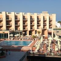 Foto tirada no(a) Real Marina Hotel & Residence por Rossen H. em 7/21/2013