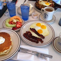 Photo taken at Blueberry Hill Family Restaurant by Haiyang Y. on 6/3/2013