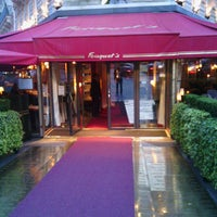 Photo taken at Le Fouquet's by Ivon F. on 6/11/2013