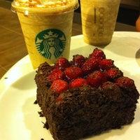 10/12/2013 tarihinde Mehir .ziyaretçi tarafından Starbucks'de çekilen fotoğraf