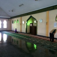 Photo taken at Masjid al muttaqin by Wisnu Respati on 7/9/2013