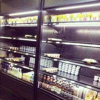Foto diambil di Teikit Sushi Shop oleh Jacobo D. pada 6/5/2013