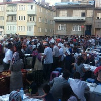 Photo taken at Yücelen İftar çadırı by Saygın A. on 7/11/2013