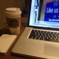 Photo taken at Starbucks by Chunghyo on 1/14/2013