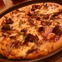 Photo taken at Pizza Hut by Symon R. on 3/31/2013