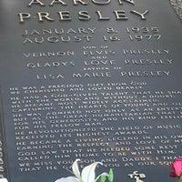 11/24/2017에 Theresa님이 Elvis's Grave에서 찍은 사진