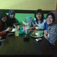 Photo taken at Ayam Penyet Cinta Laras 2 by Asri K. on 2/15/2013