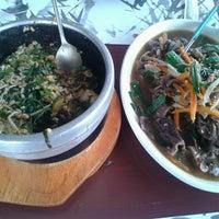 Photo taken at Huwon Restaurante Coreano by Marius Cam on 4/22/2014