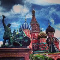 Снимок сделан в Красная площадь пользователем Alex T. 7/25/2013