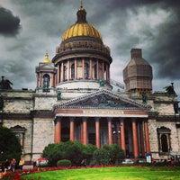 Снимок сделан в Исаакиевская площадь пользователем Alex T. 7/21/2013