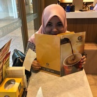 Photo taken at OldTown White Coffee by Mohamed I. on 2/3/2017