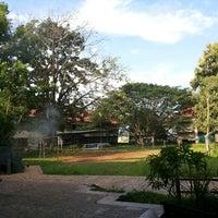 Photo taken at Fakultas Ilmu Sosial dan Politik by Andi Makka M. on 5/5/2014