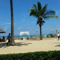 Photo taken at Kunduchi Beach Hotel & Resort by Cemre on 12/26/2016
