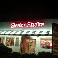 Photo taken at Steak 'n Shake by Gabriel A. on 6/23/2013