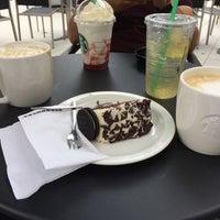 Photo taken at Starbucks by Ugur Gülek (. on 7/8/2017