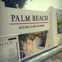 Foto scattata a Palm Beach Club da Mehmet K. il 8/13/2013