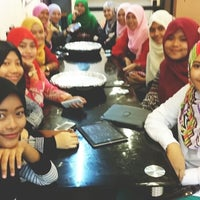 Photo taken at #JBStraw Steamboat & Grill by Fithriyaani Z. on 11/21/2014