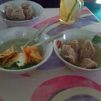 Photo taken at bakso rea-reo by Ryan R. on 11/6/2013