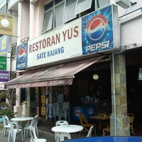 Photo taken at Restoran Yus by Elmy Y. on 6/11/2013