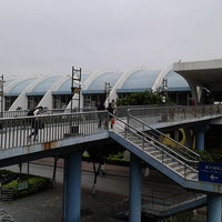 Photo taken at Kengkou Metro Station by Shphi L. on 2/19/2013