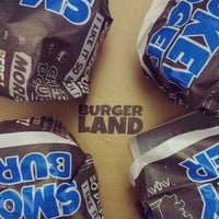 Foto tomada en Burger Land | برگرلند por Donya el 6/5/2013