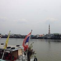 Photo taken at โรงเรียนท่าอิฐศึกษา by anudit s. on 4/12/2014