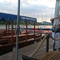 Das Foto wurde bei Ufertaverne von Sascha am 6/14/2013 aufgenommen