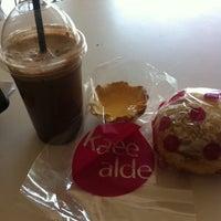 Photo taken at Kaffee Alde by Jennex E. on 3/7/2014