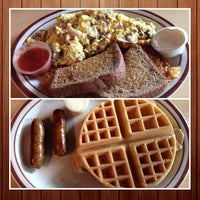 Foto tirada no(a) Patty's Eggnest por Felice L. em 8/24/2013