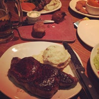 Photo taken at Outback Steakhouse by Aybey B. on 4/3/2017