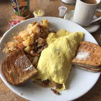 Photo taken at Colony Diner & Restaurant by Aybey B. on 7/29/2017